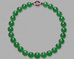 Wertvollste Jade-Kette der Welt versteigert I GF Luxury I http://www.gf-luxury.com/sothebys-auktionshaus-hong-kong-hutton-mdivani-kette-jade.html