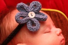 Mon Petit'Home and co.: Son bandeau de bébé fleur en tricotin