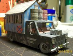 The Redneck Motorhome Paper Model - Version II - Assembled by At6 - == -  My North American friend At6 built the Redneck Motorhome Paper Model - Version II, and kindly sent me some photos of his work.