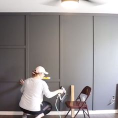 to Install Board & Batten Tutorial Make a feature wall in your home with this simple DIY board and batten tutorial.Make a feature wall in your home with this simple DIY board and batten tutorial. Feature Wall Bedroom, Accent Wall Bedroom, Painted Feature Wall, Accent Walls In Living Room, Bedroom Neutral, Painted Walls, Modern Bedroom, Diy Home Decor Easy, Diy Home Decor Bedroom