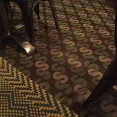 Sabina Sabe bonito mosaico personalizado  (no es mío/ its not Omm) #mosaicoshidraulicos #madeinMexico #mosaicodepasta #arqmx #art #artesanal #baldosas #cementtiles #carreauxdeco #design #decoracion #fliesen #floor #handmade #ihavethisthingwithfloors #interiordesign #tileaddiction #tiles #mosaicos #baldosas #loseta #losacriolla #oaxaca by heclops