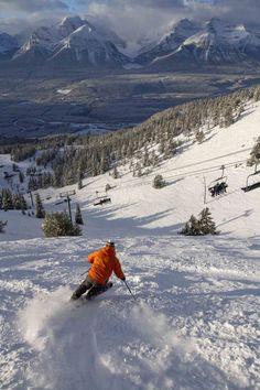 An Inside Look at The Lake Louise Ski Area in the Rocky Mountains of Alberta, Canada. Alpine Skiing, Snow Skiing, Ski Banff, Lake Louise Ski, Stations De Ski, Best Ski Resorts, Ski Season, Banff National Park, Ski And Snowboard