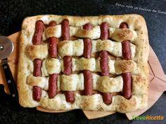 Panfocaccia intrecciata con wurstel  #ricette #food #recipes