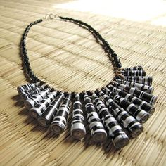 Taking paper beads to another level - DIY - upcycled