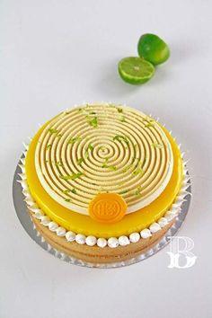 Cocina – Recetas y Consejos Creative Cake Decorating, Creative Cakes, Decorating Ideas, Fancy Desserts, Delicious Desserts, Masterchef Recipes, Baking School, Pistachio Cake, Mini Tart