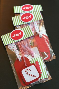 Gift Tag Gift...what a cute quickie gift idea. People always run out of the good tags at the holidays!