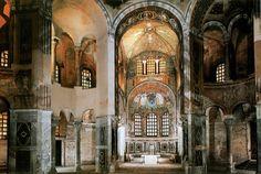 Autore sconosciuto - Basilica di San Vitale - 532 - Ravenna --- Pianta ottogonale, in origine preceduta da quadriportico ma ora rimane solo il nartece a forcipe tangente a un lato. L'esterno rinforzato dai contrafforti è sobrio; le finestre sono in alabastro per contenere la luce; l'altare è circondato da esedre, ed era necessario un tiburio ottagonale per l'ampia abside; le colonne sono di marmo greco e porfido con capitello a effetto cesto.