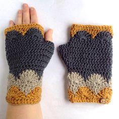Libertas Fingerless Mitts PDF Pattern Crochet Scallops DK   Etsy
