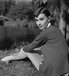 Audrey Hepburn-Love in the Afternoon-
