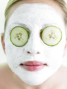 Baking Soda Face Mask:  Make a thick paste with baking soda and water and massage this gently on the entire face for 10 min, clean with water. Best Use: blackhead breakouts