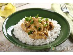 Piersi kurczaka pokrój w paski, oprósz przyprawą Knorr i obsmaż na patelni.  Pieczarki pokrój w...