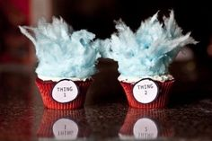Thing 1 and Thing 2 Cupcakes! My favorite thing about Dr. Seuss is Thing 1 and hair! I created these cupcakes using blue cotton candy, white frosting, red velvet cupcakes and red liners. Cotton Candy Cupcakes, Blue Cotton Candy, Cotton Candy Hair, Velvet Cupcakes, Velvet Cake, Dr Seuss Cupcakes, Cute Cupcakes, Party Cupcakes, Birthday Cupcakes