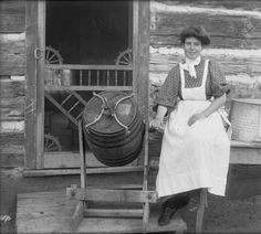 Agriculture - ranching - woman churning butter :: History Colorado 1890 ('gingerbread' designs) in the corners of screen door! Old Pictures, Old Photos, Pioneer Day, Pioneer Women, Churning Butter, Le Far West, The Old Days, Antique Photos, Before Us