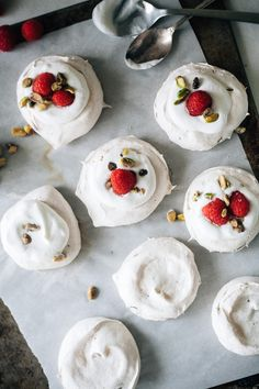 pistachio pavlovas - definitely trying this soon!