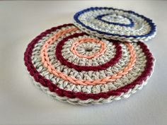 What to crochet? It is probably your question when you want to try crocheting and need a good starting point. A lot of projects are able to be created by crocheting, you can make a lot of cute stuff from… Continue Reading → Crochet Round, Crochet Home, Double Crochet, Knit Crochet, Crochet Coaster Pattern, Crochet Patterns, Crochet Ideas, Crochet Magic Circle, Types Of Stitches
