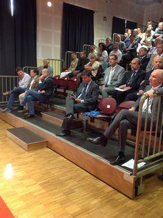 Marco Gay, presidente nazionale dei Giovani imprenditori di Confindustra, all'Assemblea di Confindustria Valle d'Aosta. Dietro di lui Edi Incoletti, Alfredo Lingeri e Nicola Rosset.