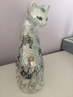 Vases, Decoration, History, Painting, Ideas, China Painting, Cat Breeds, Decor, Historia