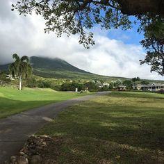 #cycling on the mad steep golf course in #Nevis today made me think a golf course #critrace would be amazing.