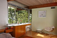 "<p>It's a nice reminder that ""cozy"" isn't the only thing a house with a small footprint can aspire to.</p>"