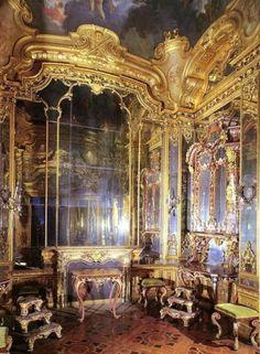 Baroque | Baroque architectural decoration-Ornate Baroque interior decoration ...