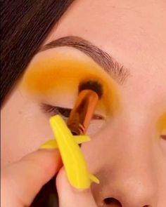 Fire Makeup, Makeup Eye Looks, Beautiful Eye Makeup, Eye Makeup Art, Yellow Eye Makeup, Colorful Eye Makeup, Colorful Eyeshadow, Red Eyeshadow Look, Yellow Eyeshadow