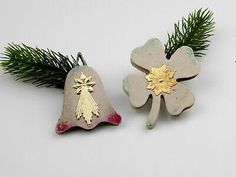 Find many great new & used options and get the best deals for 2 Vintage Venetian Dew Christmas Ornaments cardboard,four leaf clover and bell. at the best online prices at eBay! Free shipping for many products! Four Leaves, Four Leaf Clover, Venetian, Free Shipping, Christmas Ornaments, Holiday Decor, Ebay, Vintage, Products