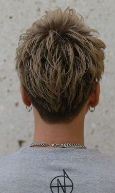 エッジモヒカン 臣ショート BACKサムネイル Asian Men Hairstyle, Hairstyle Ideas, Hair Ideas, Short Hair Cuts, Short Hair Styles, Classic Haircut, Man Images, Haircuts For Men, Cut And Color