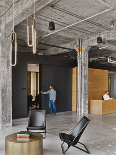 After a successful teaming for the design of their Boston headquarters, MullenLowe engaged TPG Architecture to design its new office in Winston-Salem, NC: a 37,500 square foot space in the city's newly developed Wake Forest Innovation...