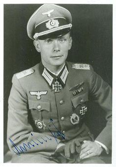 Oberst Hans Michaelis (1910-2000) -- RK: 28-9-43 Führer Grenadierregiment 184 / Divisionskampfgruppe 86