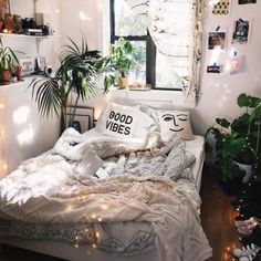 The best contemporary bedroom lighting design ideas for your home decor. best bedroom decor The best contemporary bedroom lighting design ideas for your home decor. Dream Rooms, Dream Bedroom, Aesthetic Rooms, Boho Aesthetic, Minimalist Bedroom, Minimalist Design, Contemporary Bedroom, Modern Bedroom, Eclectic Bedrooms