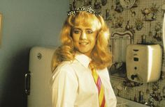 That awkward moment when a dude looks prettier than you do. (Roger Taylor - queen)