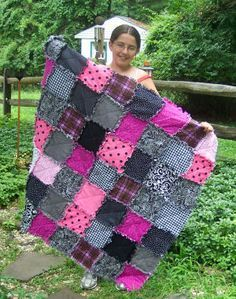 Samantha makes a beautiful pink black and white raggedy quilt - tutorial on this page. makeragquilt.