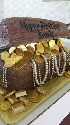 Treasure chest cake buttercream