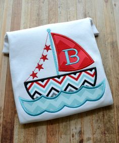 Items similar to Sail Boat with Monogram Initial Short or Long Sleeve T-shirt for Boy or Girl - school shirt - stars of July - vacation shirt on Etsy Hand Applique, Applique Patterns, Applique Quilts, Applique Designs, Embroidery Fonts, Hand Embroidery Designs, Embroidery Applique, Machine Embroidery, Embroidery Ideas