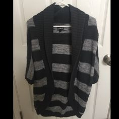 Express Shrug Striped Express shrug in like new condition Express Sweaters Shrugs & Ponchos