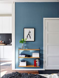 Blue with Floating Shelf-want the shelf for mi casa!