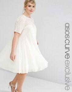 ASOS CURVE – Ausgestelltes Kleid mit verzierter Passe