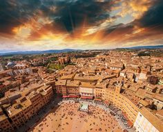 Le piazze più belle d'Italia, Piazza del Campo, Siena