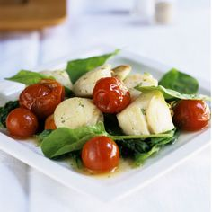 Our 1,350-calorie-a-day diet features foods that are great at stopping that famished feeling. 5 weeks to your best body ever: Scallops with Spinach and Bacon Salad recipe. | Health.com