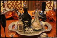 20+ Ways to Decorate Your Table For A Halloween Dinner Party - Homes and Hues