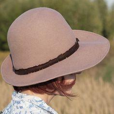 kapelusz róż paryski Pinalu