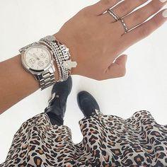 Lookje hoor! 👌🏻✨ Ik word altijd zo blij als ik de foto's van @anoukdekker zie. Zo licht & crisp en met een heerlijke dochter Ivy die af en toe door het beeld huppelt. ⠀ .⠀ Anouk heeft me toevertrouwd dat haar LOVY mama armband sinds Accessories, Instagram, Fashion, Wristlets, Moda, Fashion Styles, Fashion Illustrations, Jewelry Accessories