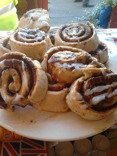 cinnamon buns, cinnamon, buns, icing, hmmm, indulgence, swets, dessert, snack, hmm, baking