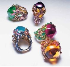 Dior Jewels like lollies! Dior Jewelry, Cute Jewelry, Jewelry Rings, Jewelry Accessories, Fashion Jewelry, Gold Jewellery, Dior Ring, Jewelry Design Drawing, Baubles And Beads