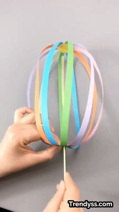 A simple tutorial to show you how to DIY a spinning ball. - A simple tutorial to show you how to DIY a spinning ball. A simple tutorial to show you how to DIY a spinning ball. Creative Crafts, Diy Crafts For Kids, Easy Crafts, Craft Kids, Craft Projects For Kids, Diy Arts And Crafts, Kids Diy, Diy Toys, Paper Crafts