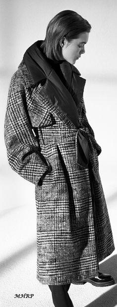 max-mara-atelier-fall-2018_pinned from vogue.com/fashion-show