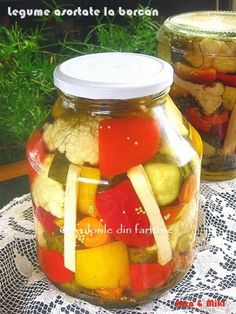 Conopida si broccoli in otetCulorile din Farfurie Canning Pickles, Cheese Danish, Good Food, Yummy Food, Pickling Cucumbers, Romanian Food, Canning Recipes, Harvest, Vegan Recipes