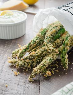 Crispy Parmesan Asparagus Fries with Lemon Greek Yogurt Dip are asparagus spears coated with a panko-parmesan coating and baked until crisp and golden brown! Serve with creamy Greek yogurt dip for a healthier side of fries! /FlavortheMoment/