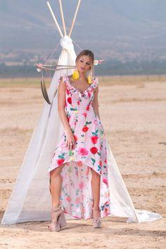 Vestido Flores $2,249 Tacones $829 Arracadas Flecos $389 <3