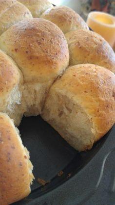 Vegan buttery pan rolls